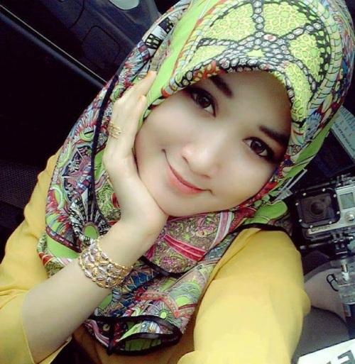 Foto Wanita Cantik berjilbab