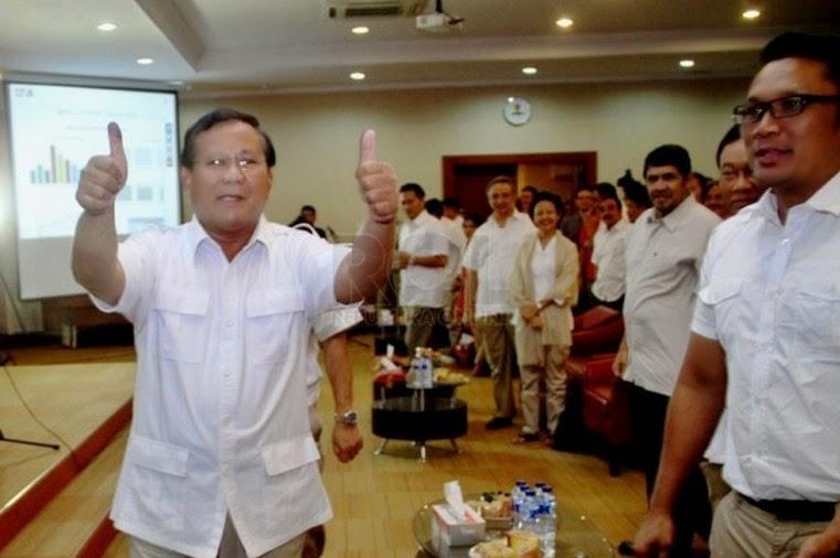 Prabowo Pukul Orang di KPU