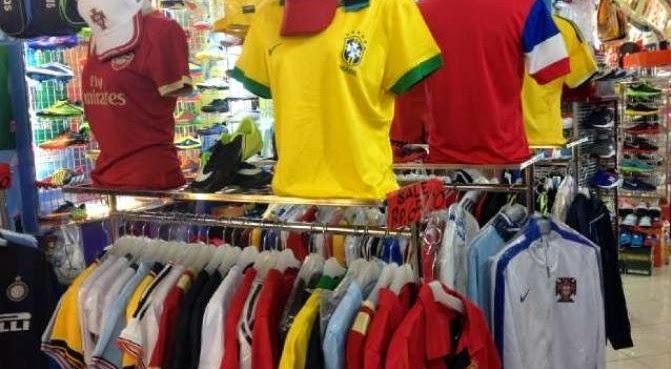 Omzet Penjualan Jersey Bola Menurun