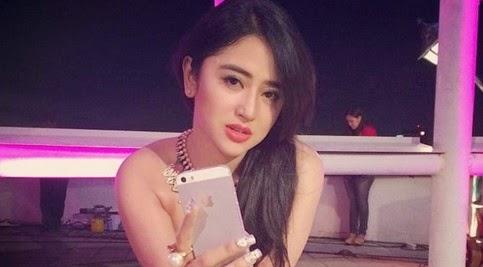 Foto Hot Dewi Persik