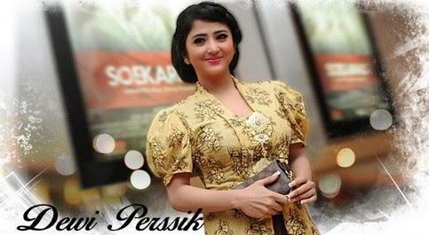 Foto Seksi Dewi Persik
