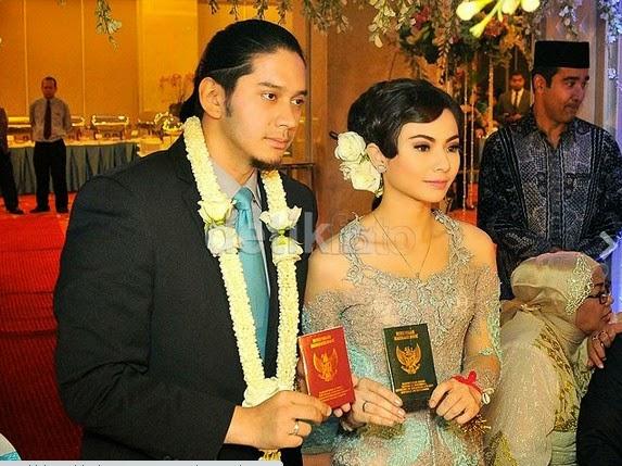 Foto-Foto Pernikahan Eriska Rein dan Mithe Nisar