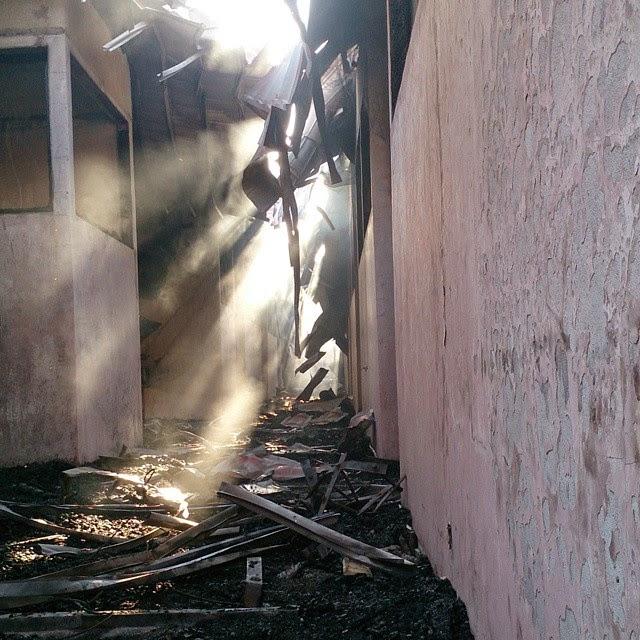 Foto Sisa Puing Kebakaran Laboratorium Unhas