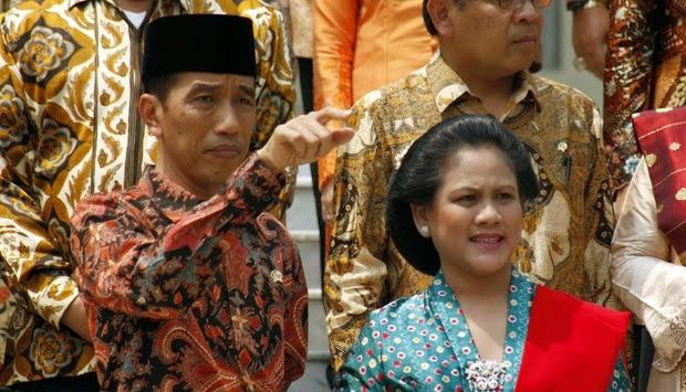 Inilah Foto-Foto Porno Jokowi