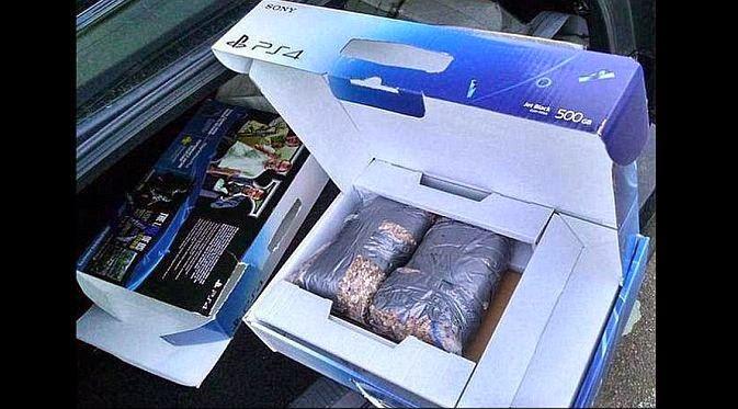 Beli PS4 Malah Dapat Batu