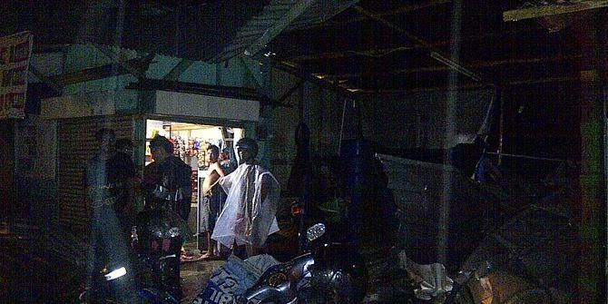 Angin Puting Beliung di Bandung Timur Hancurkan 700 Rumah
