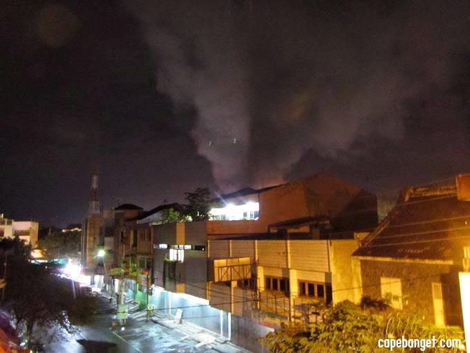 Foto Pasar Klewer Terbakar