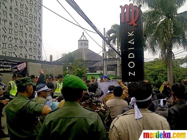 Hotel di Bandung Pasang Logo Mirip Lafaz Allah Terbalik