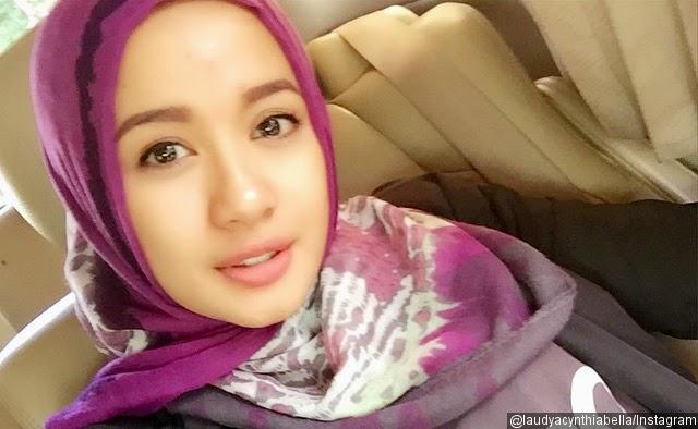 Foto Laudya Chintya Bella Pakai Hijab