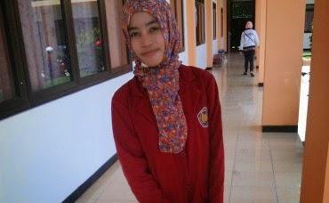 Mega Retno, Mahasiswi Cantik yang Kini Buron Gara-gara Arisan Online