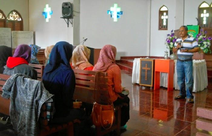 Dosen IAIN Ajak Mahasiswa Belajar di Gereja